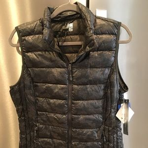 32 degree Heat Ultra light down vest